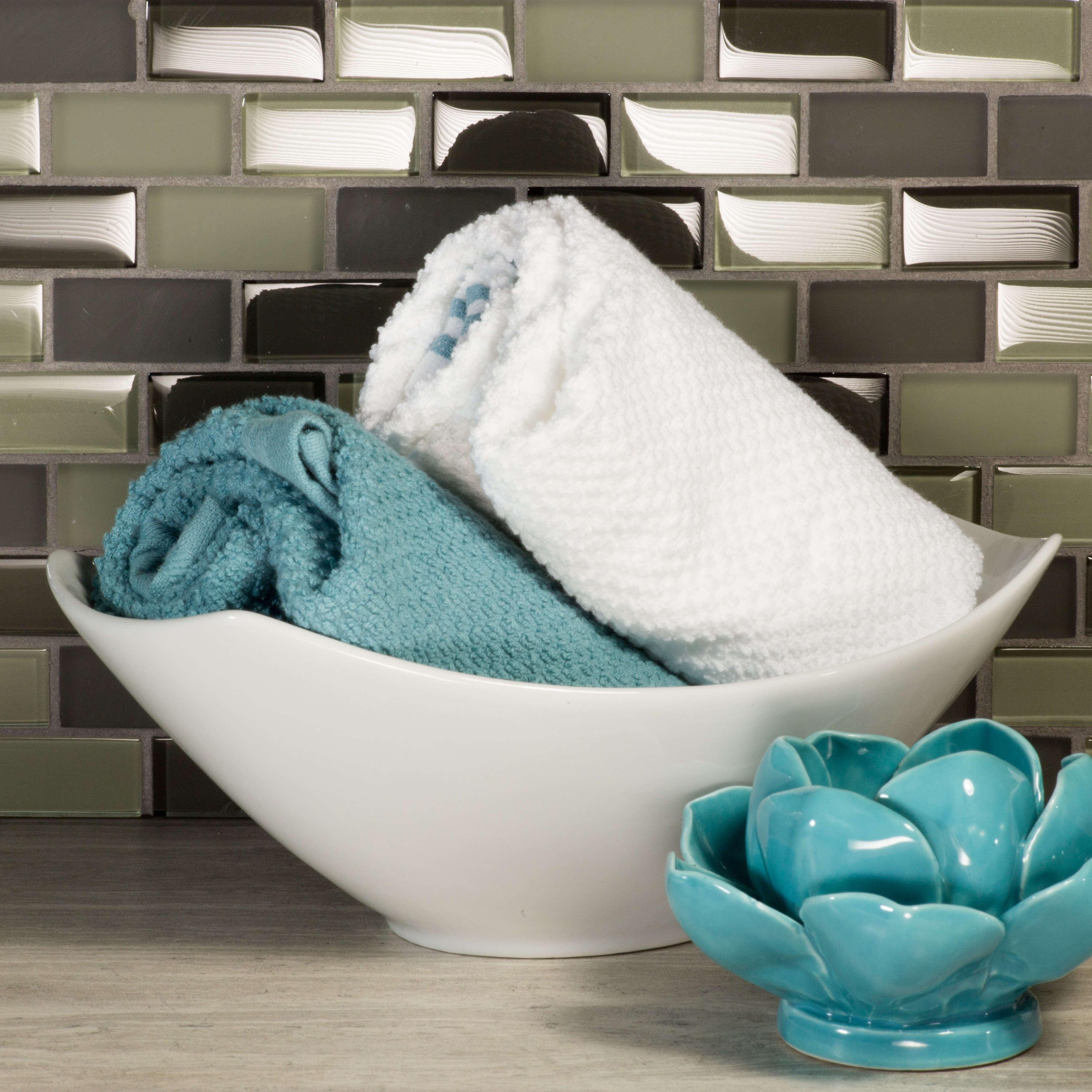 Free Flow 1 in x 2 in Glass Brick Mosaic in LIVIDITY Blend